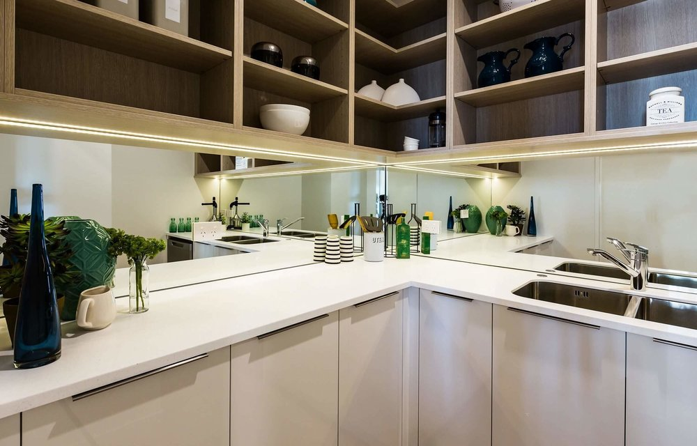 mirror-glass-splashback-butler-pantry.jpg