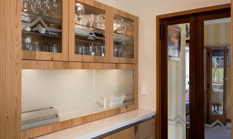 Art-Deco-Kitchen-Sandblasted-Glass-Cabinet.jpg