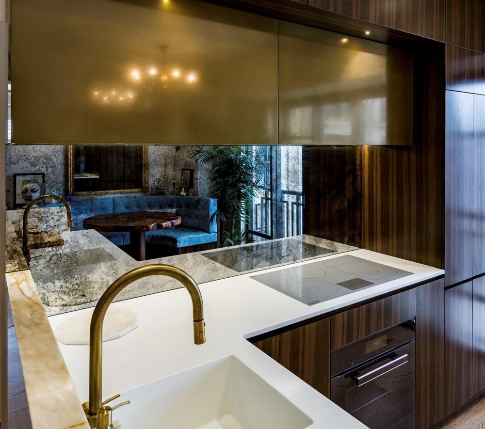 New-York-Style-Kitchen-Antique-Glass-Splashback.jpg
