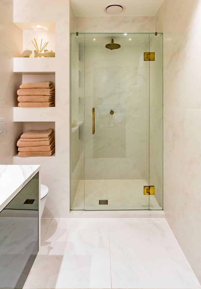 Frameless Showers -