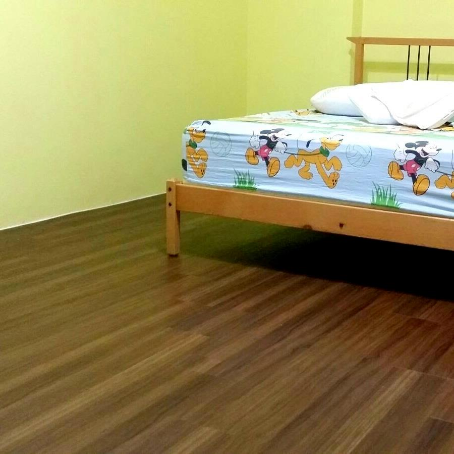Premium Resilient Vinyl Flooring Singapore Beautiful Teak(2).jpg
