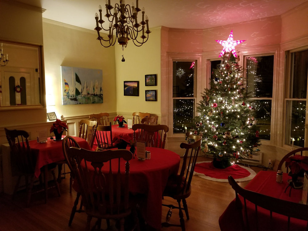 Camden Windward House Dining Room at Christmas