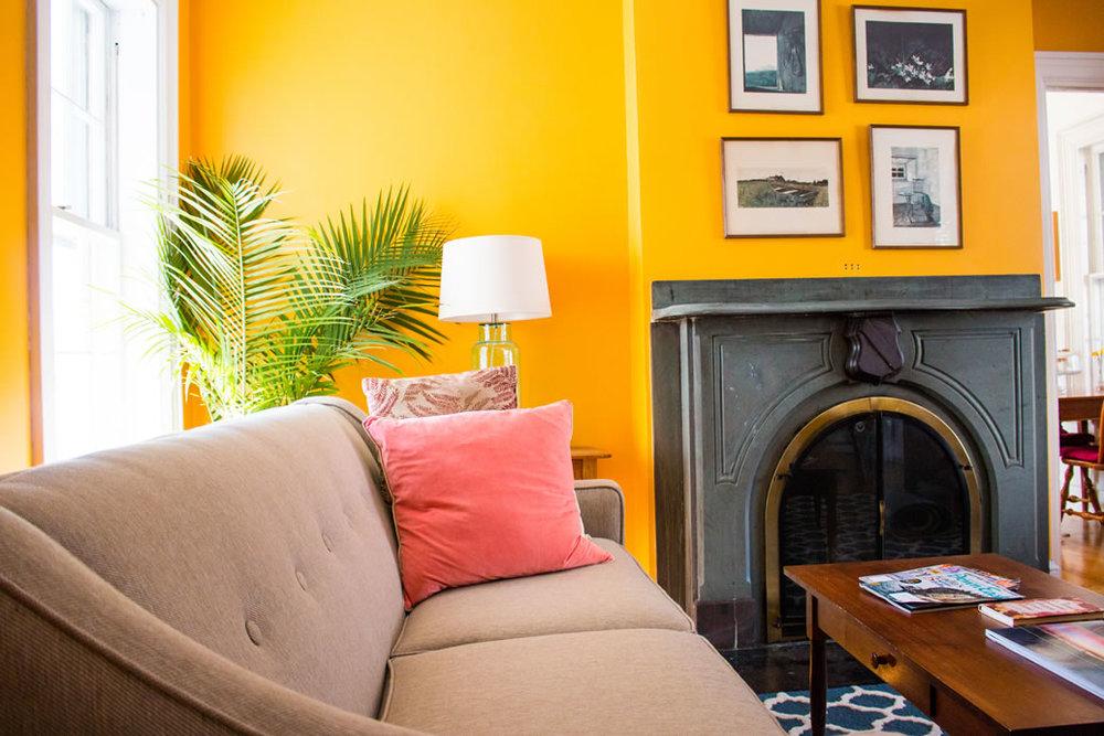 camden-maine-hotel_livingroom1.jpg