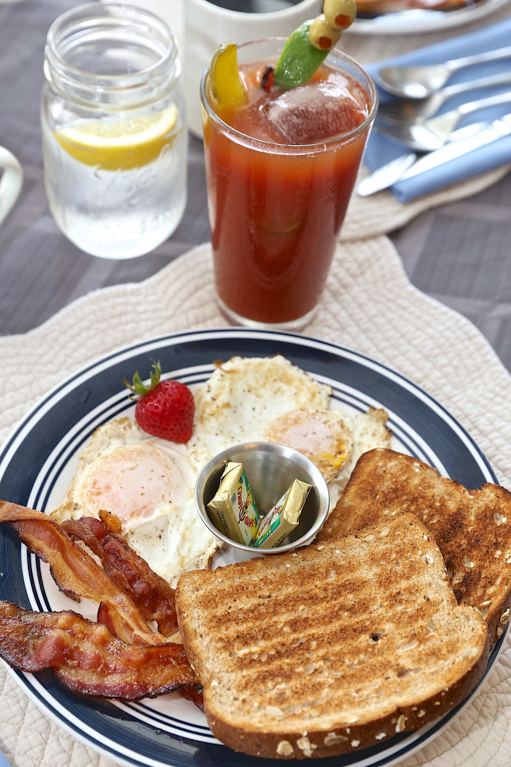 over-easy-bacon-bloody-mary-web.jpg