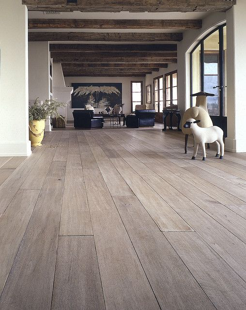 289365e908caf6b8d80c35f030cf2f93--grey-hardwood-white-wash-hardwood-floors.jpg