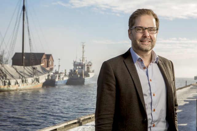 "Inge Andre Sandvik     Chief Digital Officer, Wilhelmsen Holding ASA (Norway)    Thursday, Nov. 9 2017 -Track 1 / Session 4: Smart Shipping:  ""Enabling Technologies""  (9:00-10:00 am)"