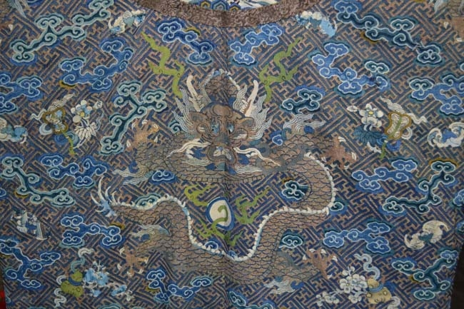 Chinese textiles,...summary and link to page...