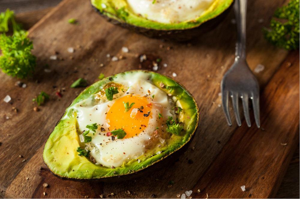 aguacate-huevo-comida-platillo.jpg