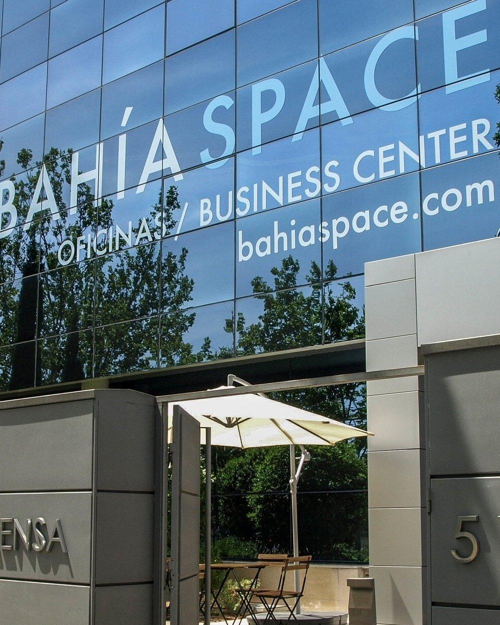 MEMBERSHIPBAHÍA SPACE - —Tu oficina cuando tú quieras. Tarifas especiales en nuestros espacios durante dos días al mes.DESDE 40€/MES
