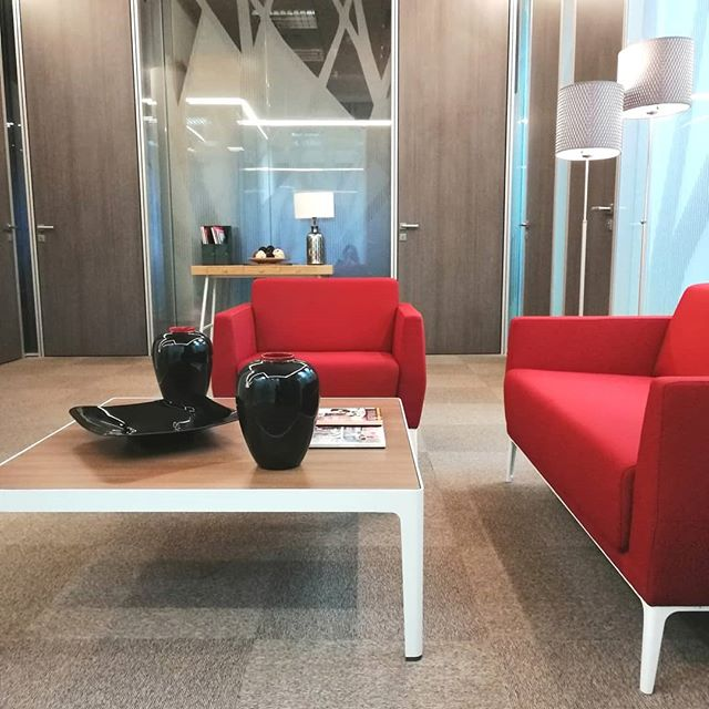 🤔¿Do you want a break? ☕☑️ . . #bahíaspace #descanso #relax #centrodenegocios #businesscenter #noestres #Madrid #despachos #coworking #saladereuniones #negocio #business #empresa