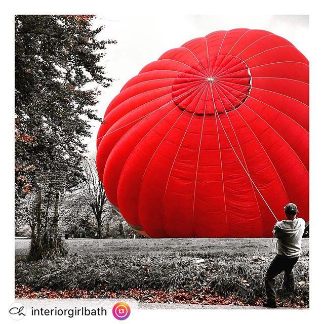 "Balloon tamer of Bath. Bath Park. RepostBy @bathlifemag:  #weekendgetaway #shortbreaks #bathcity #bath #victoriapark #parklife #afternoonwalk #hotairballoon #balloons #red #visitbath #citybreak #instagood #igersbath""#stay36carlingcott ""This post was reposted using @the.instasave.app"