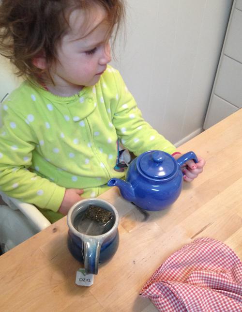 naomi-and-tea