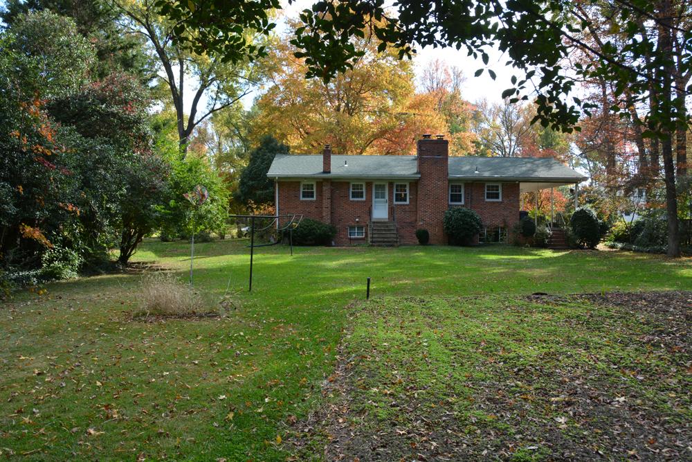 9032 Buckner backyard 2