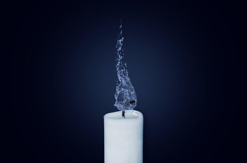 candle-1042087.jpg