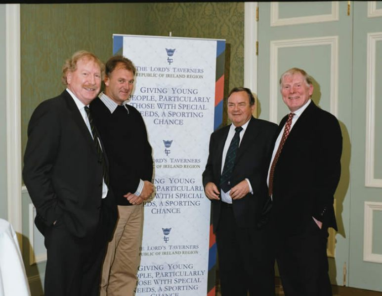 IRFU_and_Harry_Birrell_Cheque_Presentation_06.jpg