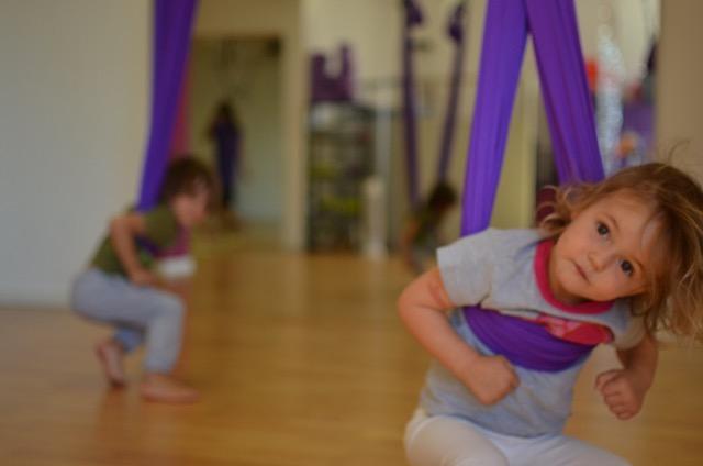 Yoga aérien parent/enfant 2 à 5 ans -