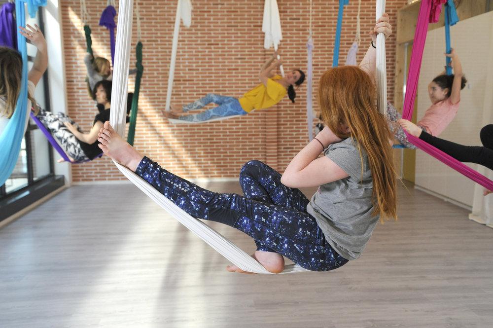 Stage Comédie musicale & Yoga aérien - 6 à 12 ans - du 22 au 26 Juillet de 9h à 12h