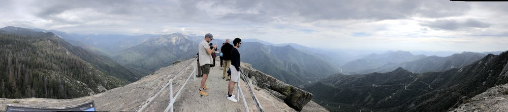 Panoramic view from the top of Moro Rock