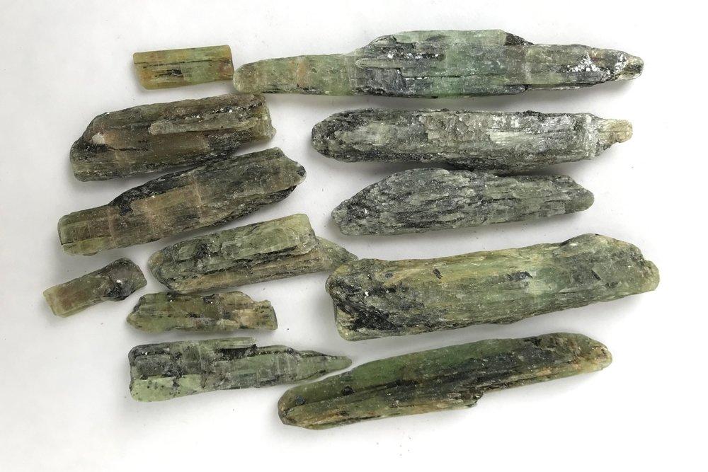 Green%2BKyanite%2BBlades.jpg