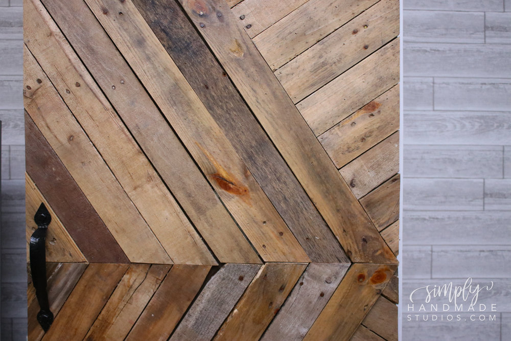 DIY Barn Doors on Hinges