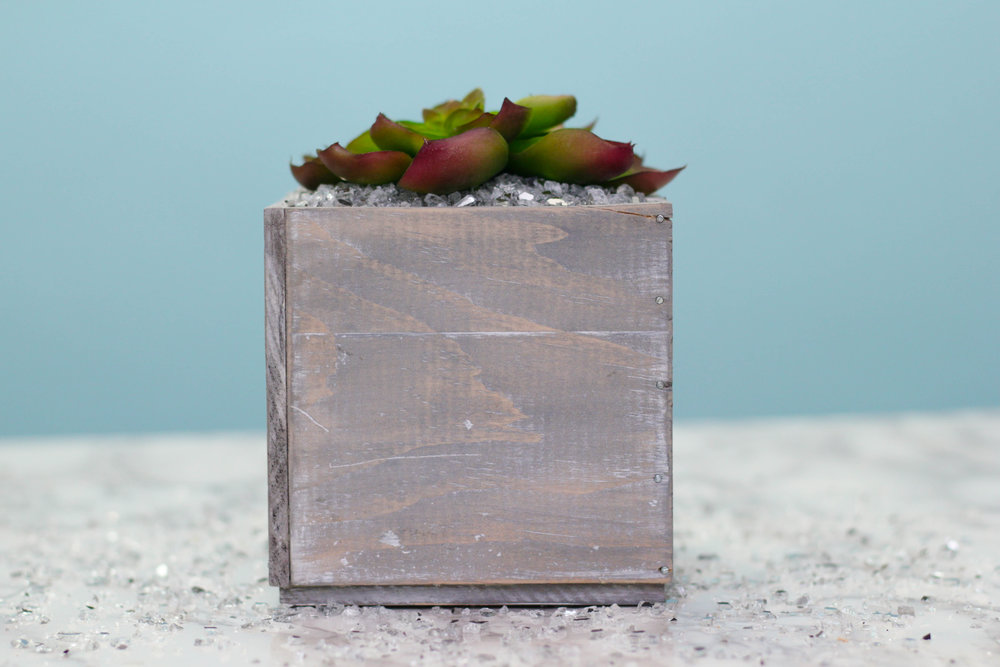 DIY Distressed Planter Box (COMING SOON)