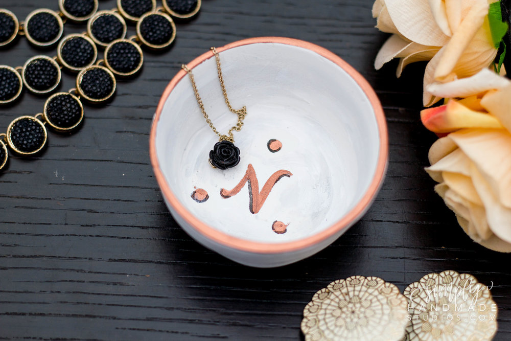 DIY Clay Trinket Dish (Anthropologie Inspired) | Simply Handmade Studios