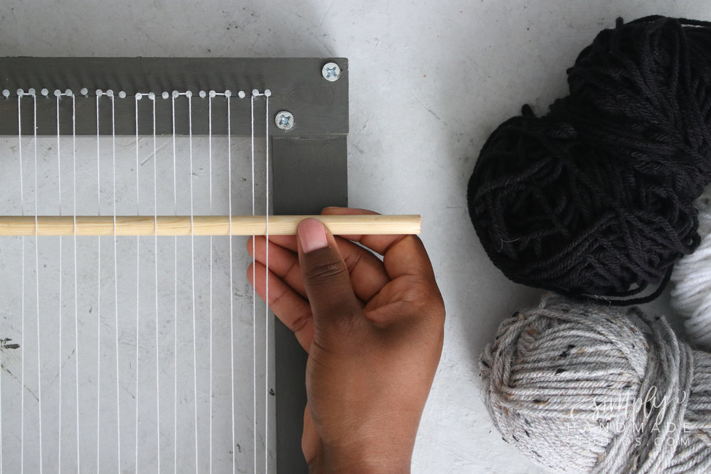The Loom: How to Make a Weaving Loom