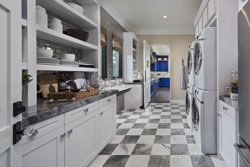 1624-07_PL3_Laundry_Rm_The_Oaks_DavidsonCommunities_EricFiggePhotos.jpg