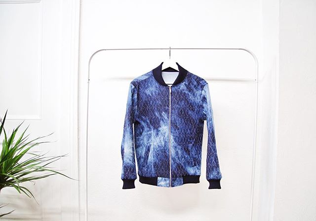 We're still swooning over @iamisraelvalencia custom denim jacket 😍👌🏼 #MMstudios