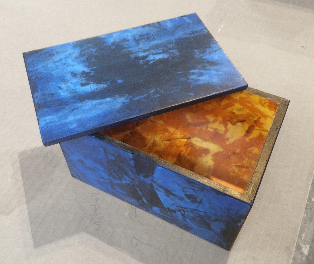blue_curio_box4.jpg