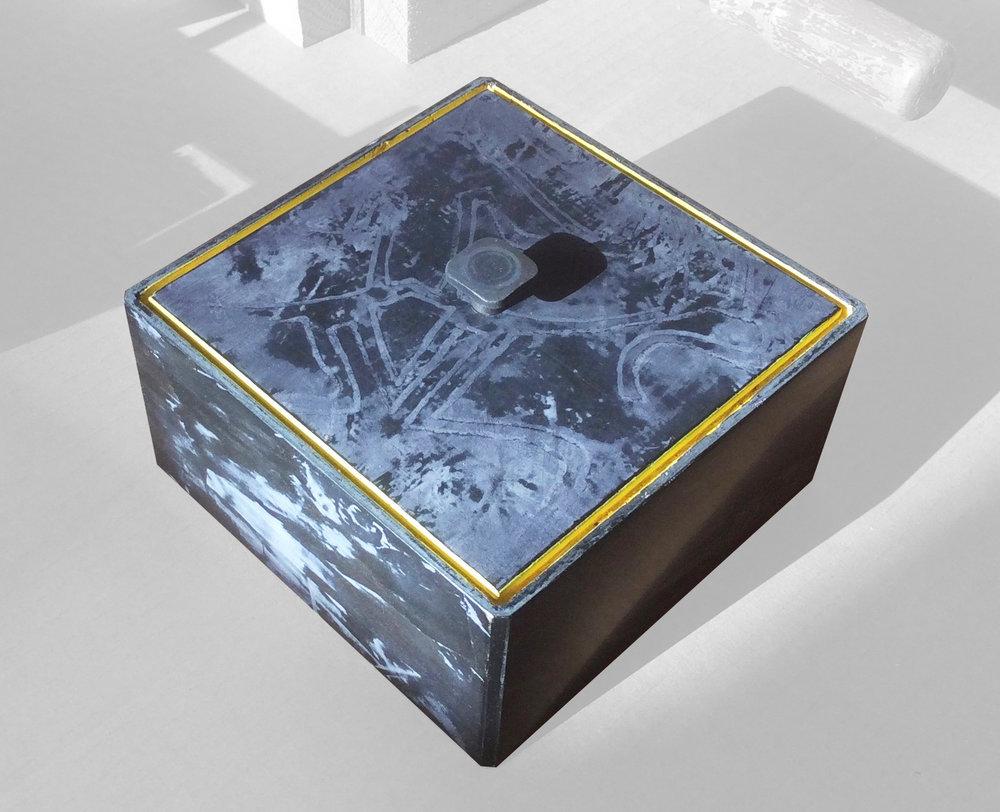 curio_box_2.jpg