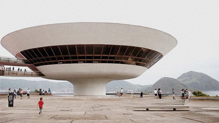 The Niterói Contemporary Art Museum,Rio de Janeiro, Brazil. Photograph by Aleksandra Artamonovskaja