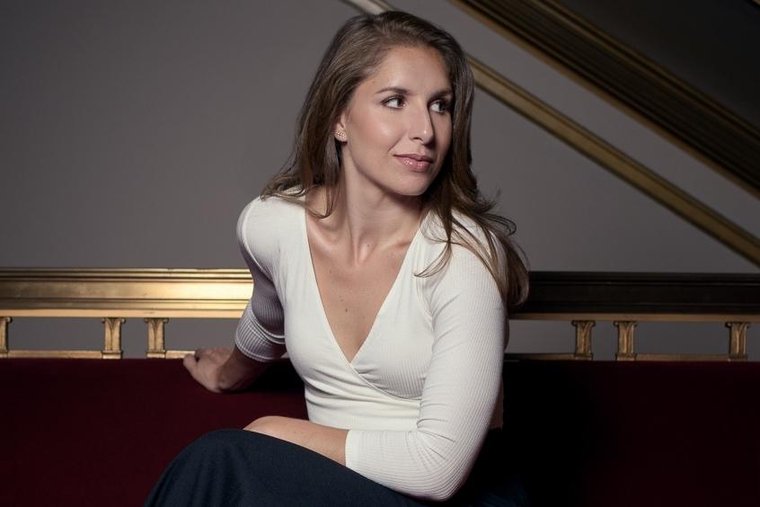 Lindsay Metzger |Mezzo-Soprano