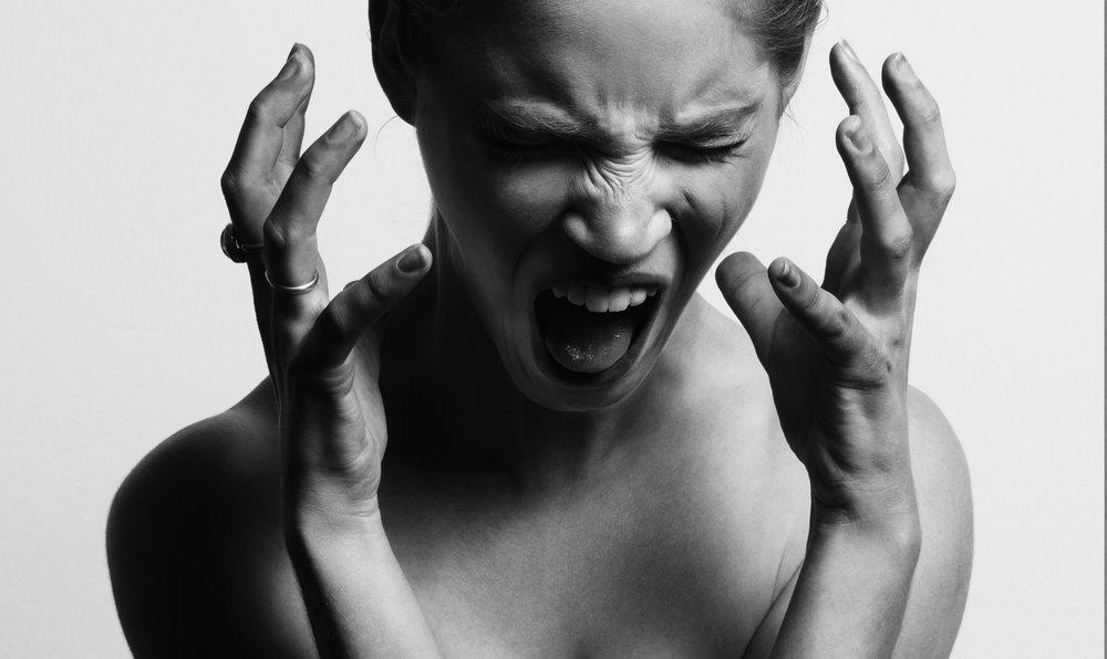 Cuidado! - Propagandas com carros de som forçam o consumidor a ouvir as ofertas, o que pode acabar irritando e afastando os clientes!