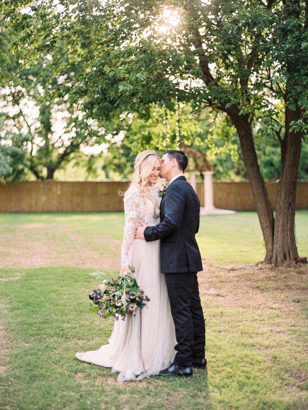Elope In Style - Jessica Kersey - Northwest Arkansas Wedding Photographer_0196