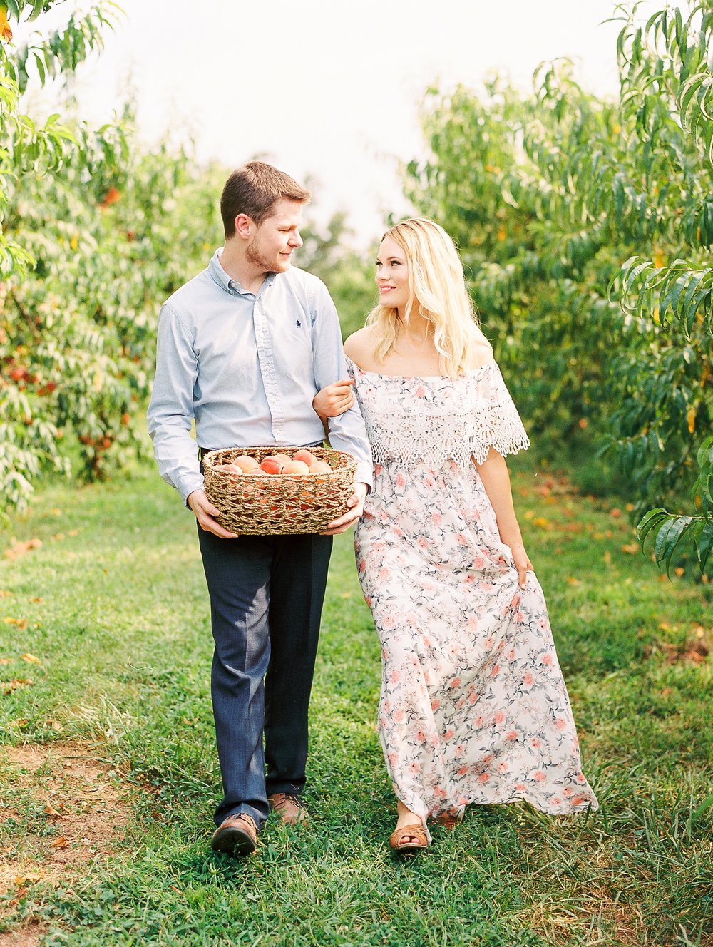 Peach-Orchard-Engagement-Session-Arkansas_0002.jpg