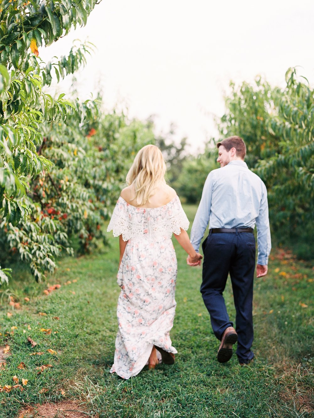 Peach-Orchard-Engagement-Session-Arkansas_0010.jpg