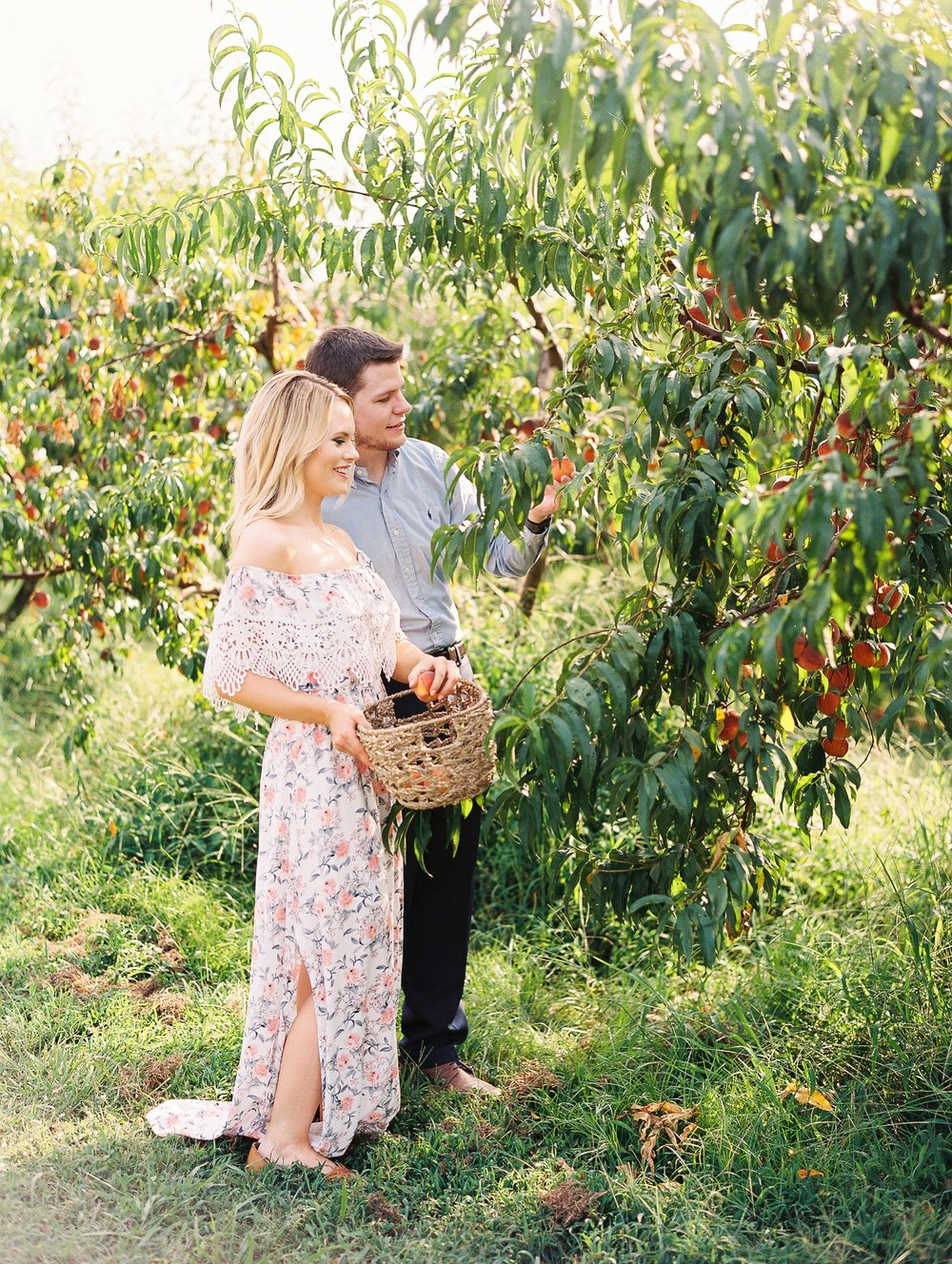 Peach-Orchard-Engagement-Session-Arkansas_0017.jpg