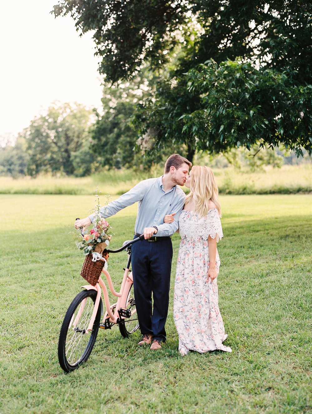 Peach-Orchard-Engagement-Session-Arkansas_0025.jpg