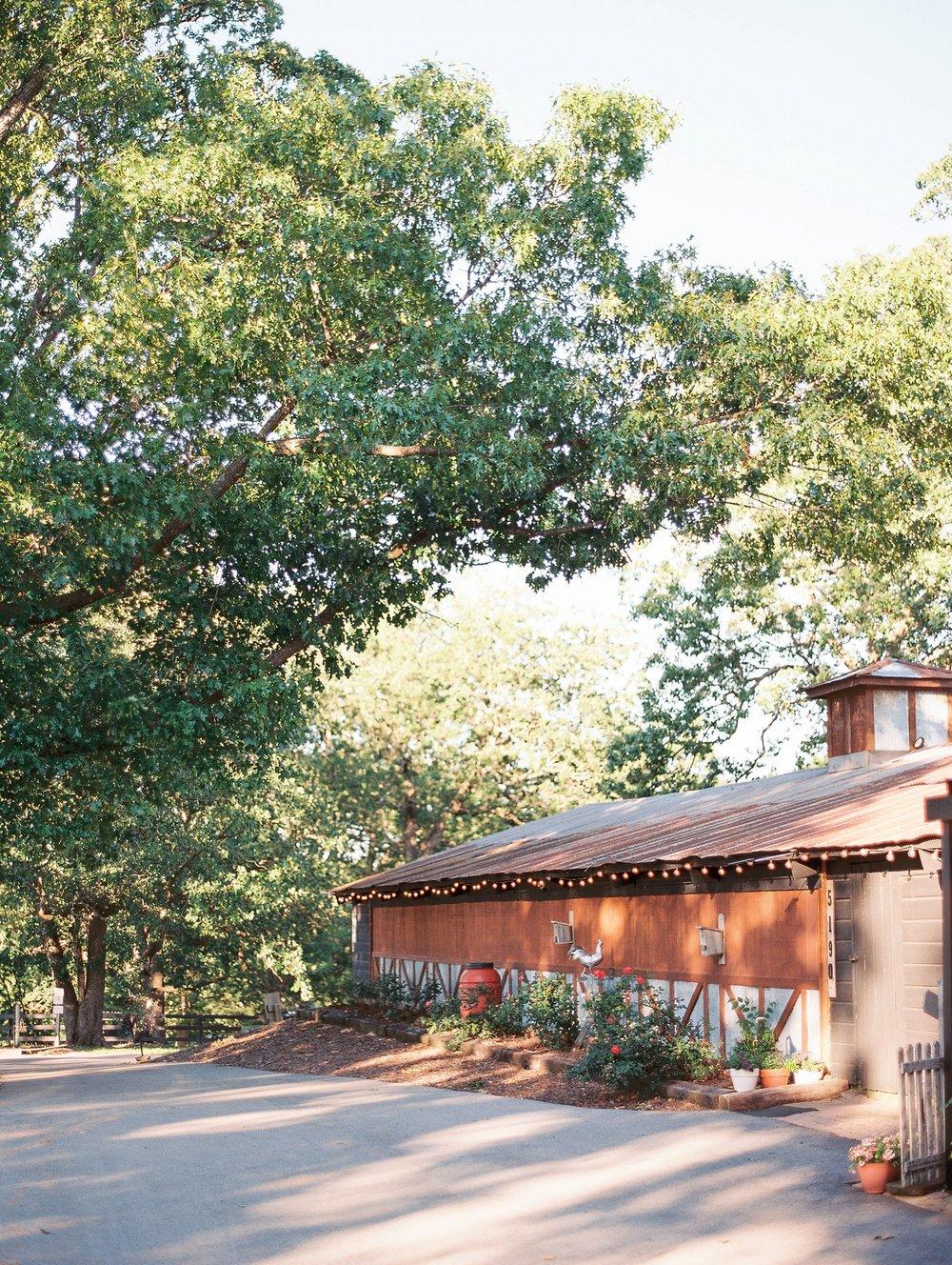 Barn at The Springs Arkansas Wedding Zimmerman Floral_0002.jpg