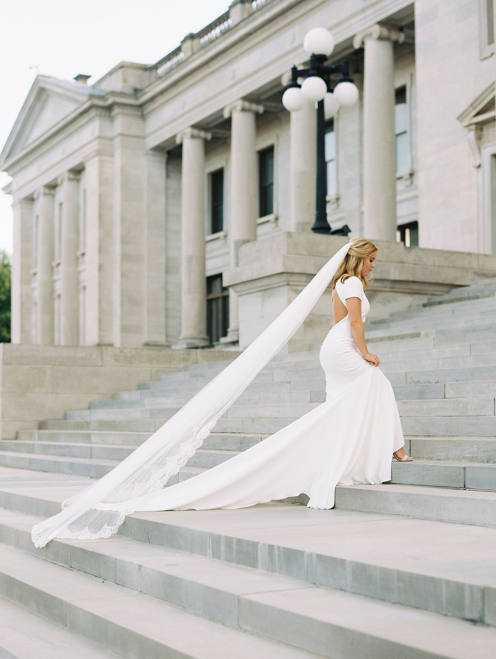 Arkansas Capitol Building Bridals Wedding Photographer_0106.jpg