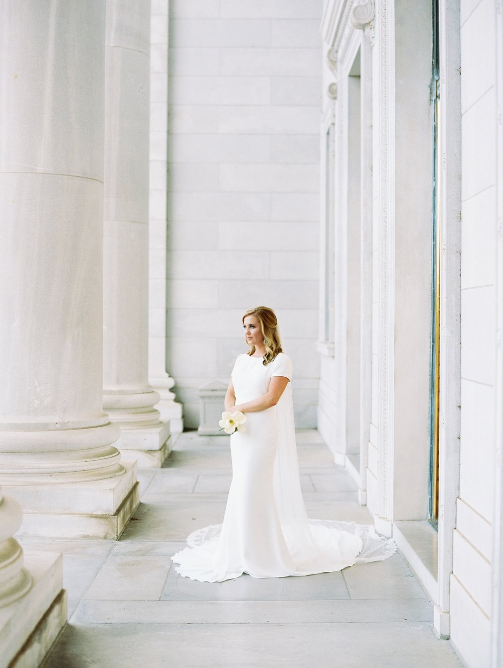 Arkansas Capitol Building Bridals Wedding Photographer_0108.jpg