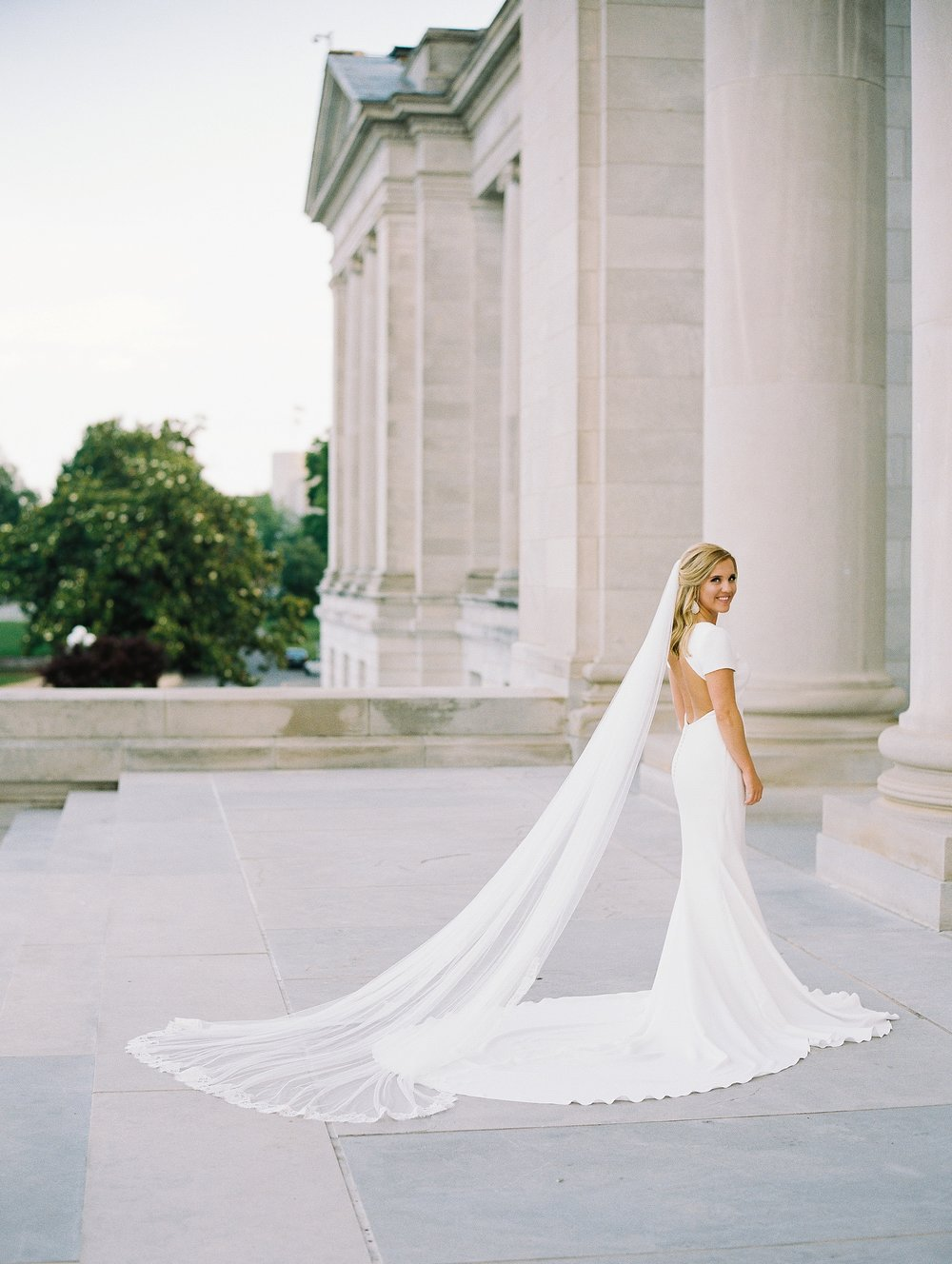 Arkansas Capitol Building Bridals Wedding Photographer_0114.jpg