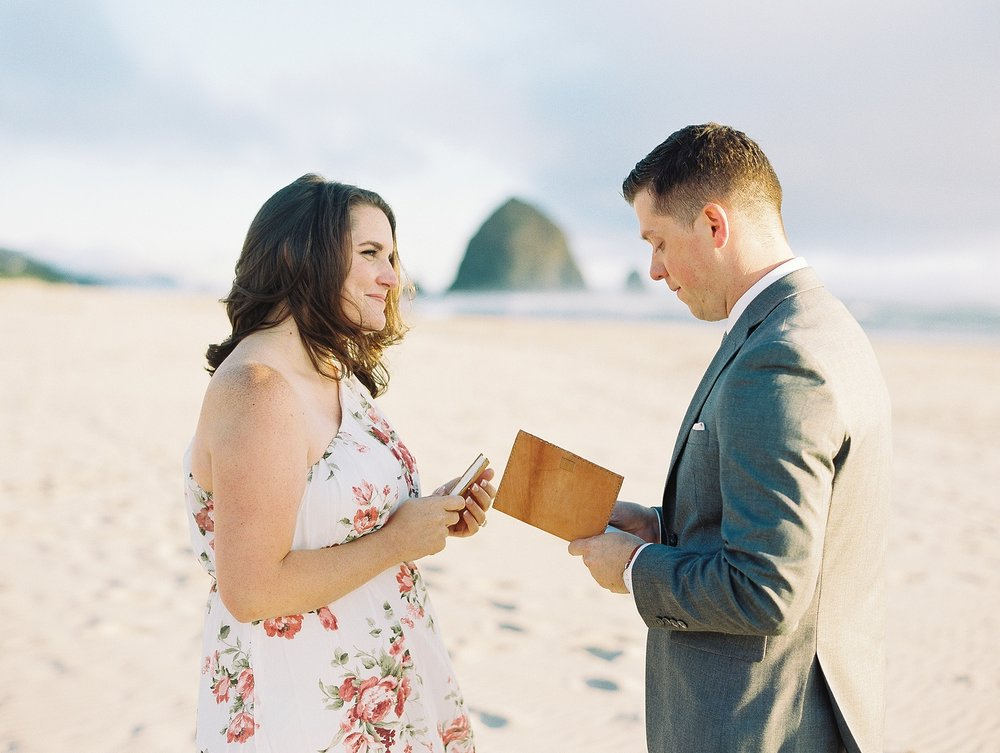 Cannon Beach Oregon Wedding Photographer_1333.jpg