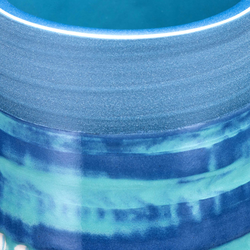 Detail Top Rim Ceramic Vase