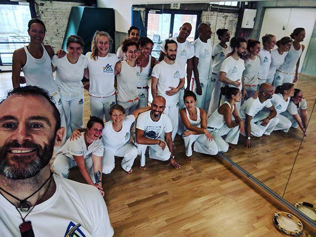 Wow what a big Saturday #capoeira class today!! Almost twice as many as normal ;) . . . . #aruanda #aruandade @diehallehamburg @soldadoaruanda @aruandade