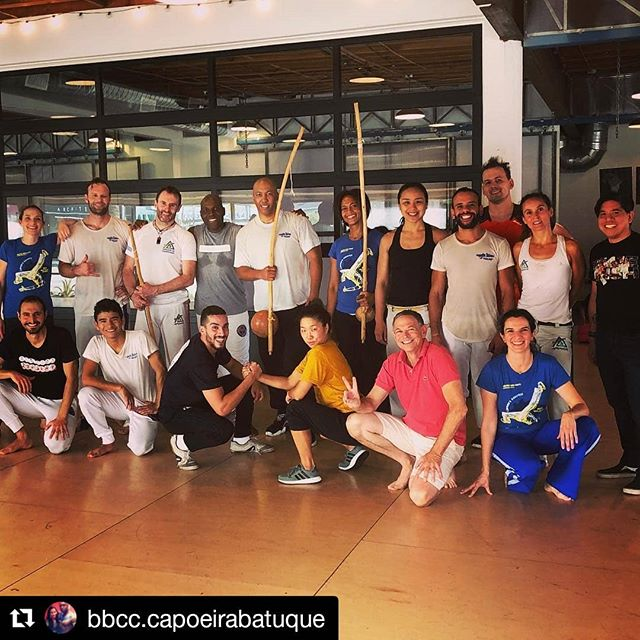 Visiting @bbcc.capoeirabatuque in Los Angeles 💙 Thank you Mestre Amen & family for having us 🙏 ・・・ Saturday's are all about Capoeira! 1-2-3-4 capoeira classes back 2 back every Saturday + a Roda! It's been a pleasure spending the week with @iledepalmares & @palmeiraaruanda thanks for the visit and the great energy. Looking forward to seeing you at your Batizado in May! Also, @bea_locsin it was great meeting you, thanks for the visit, hope to see you again soon! Much love and happy Saturday night y'all!!! #capoeira #capoeirabatuque #mestreamen #mestreamensanto #batuque #batebatuque #salve #axe #bahia #salavador #brazil #africa #diversityinmotion