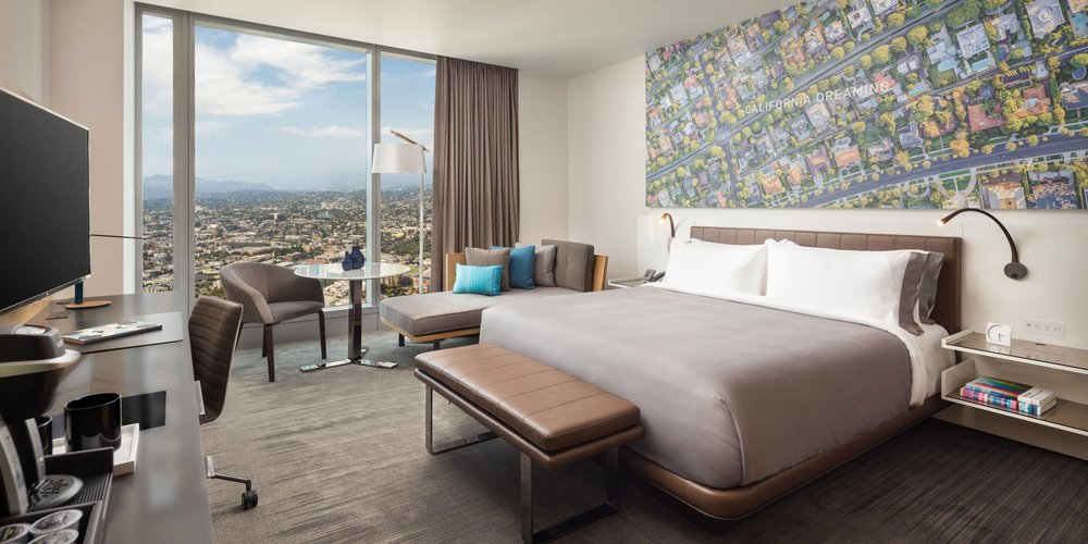 Above every headboard is a graphic feature related to the local L.A.theme —beaches, Hollywood, freeways, cityscapes and abstract urban art.