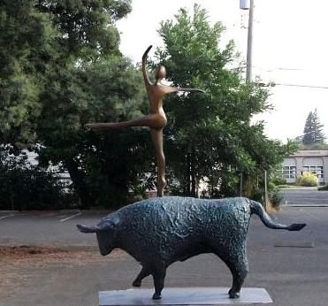 Dances with Bulls - Robert Holmes sculpture