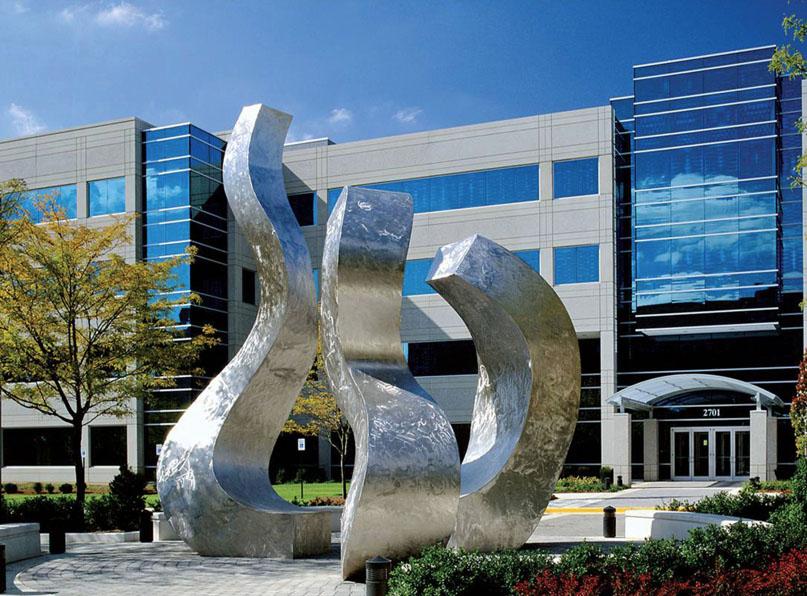 Van de Bovenkamp sculpture Trinity.jpg